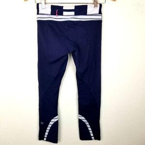 Lululemon leggings 4 Blue Stripe Inspire Crop